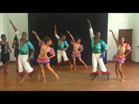 Conga-Comparsa Dance Routine - Grupo BanRara - Havana Cuba 2013