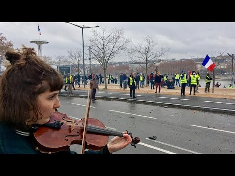 """Coletes amarelos"" bloqueados em Lyon"