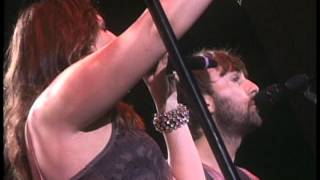 LADY ANTEBELLUM Love Don't Live Here  2011 LiVe