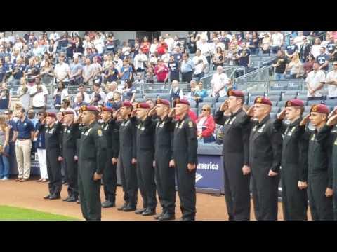 Keni Thomas sings National Anthem at Yankee Stadium