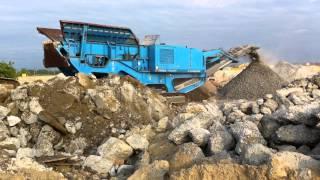 Дробление бетона с выделением арматуры(Компания MAGNUM. Кирилл +38 067 235 47 43 | 4087701@gmail.com http://kicau.kiev.ua/ Данная установка перерабатывает взлетную полосу..., 2012-05-16T06:24:48.000Z)