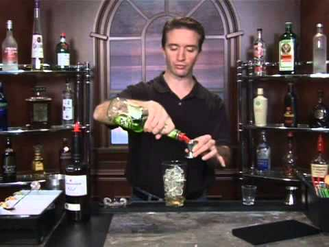 How to Make the Washington Apple Mixed Drink