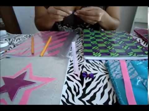 Como forrar tus cuadernos creativamente con papel for Papel para forrar puertas