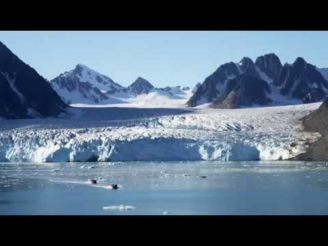 Polarcirkel Boat cruising in Spitsbergen