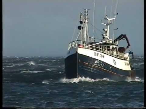 Courier BF 34 arrives at Fraserburgh Harbour