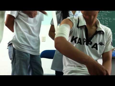 Hướng dẫn băng vết thương cánh tay