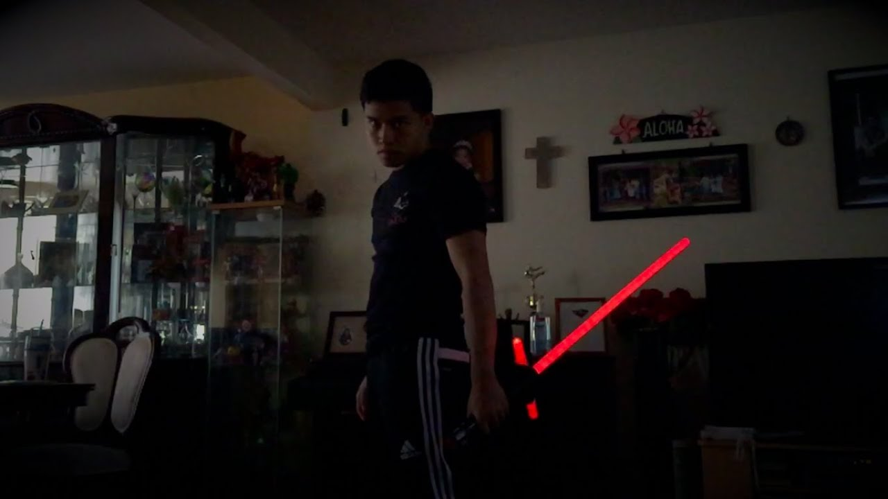 Toys R Us Exclusive Kylo Ren Ultimate Fx Lightsaber