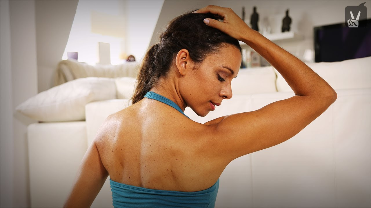 Yoga Schulter Nacken: Verspannungen sind Schnee von gestern! - YouTube