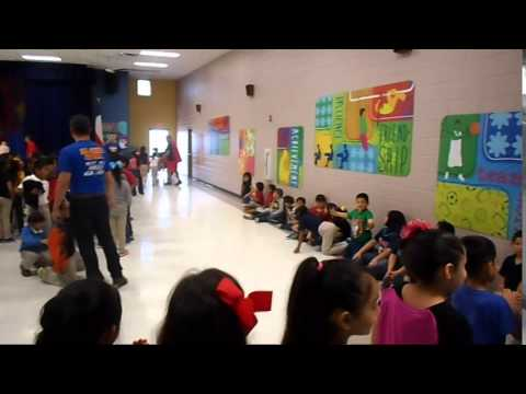 willy-the-walrus-at-guerra-elementary-school