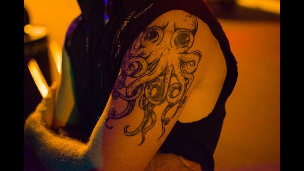 John Frusciante Octopus Tattoo - YouTube