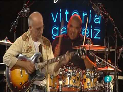 Larry Carlton - Cold Gold - Vitoria Jazz Festival 2010