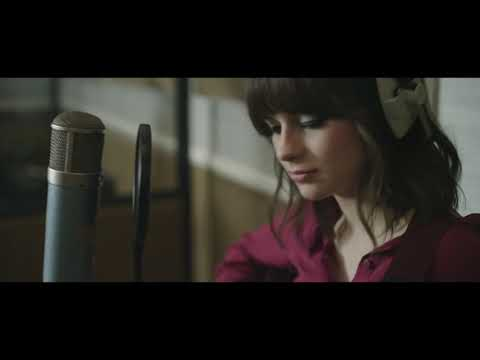 Gabrielle Aplin - Stranger Side (Studio Session)