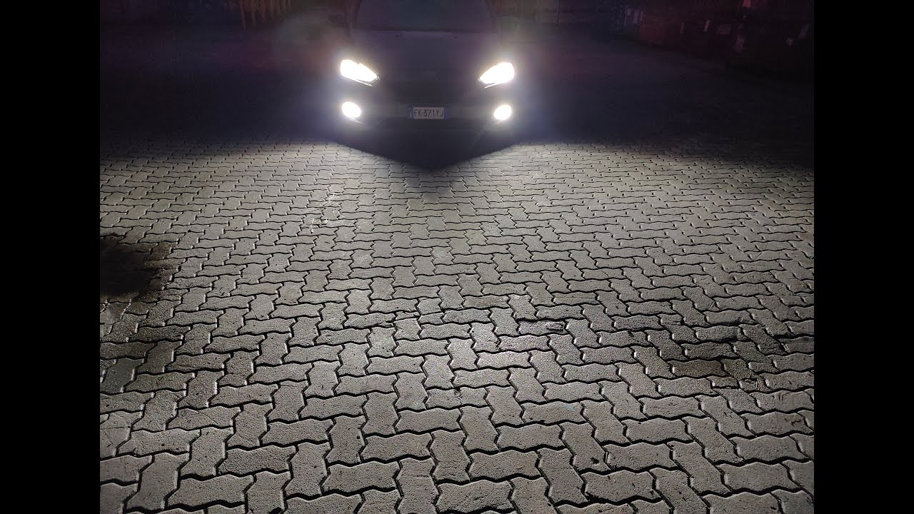 LED VS HALOGENE SU FORD FOCUS ST Line