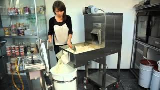 minirobopop Машина для промышленного изготовления попкорна(Технические характеристики, описание - на сайте: http://www.all-for-trading.ru/ . Купить оборудование для магазина, кафе,..., 2015-03-28T18:30:05.000Z)