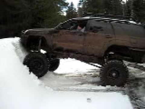 5th Gen 4runner >> Solid Axle 4runner snow wall climb - YouTube