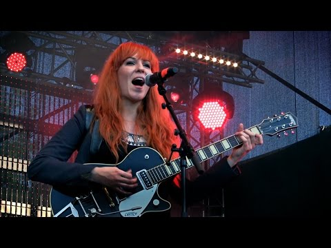 Can't Buy Me Love - MonaLisa Twins (The Beatles Cover) live!