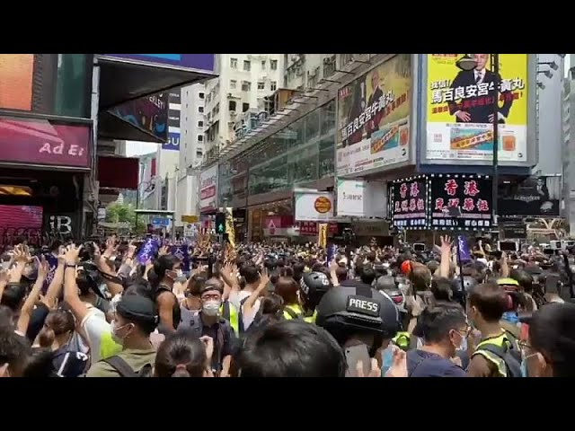 <span class='as_h2'><a href='https://webtv.eklogika.gr/entasi-kai-dakrygona-sto-chongk-kongk' target='_blank' title='Ένταση και δακρυγόνα στο Χονγκ Κονγκ'>Ένταση και δακρυγόνα στο Χονγκ Κονγκ</a></span>