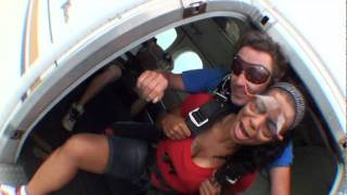 The Funniest Sky Diving Video You Will Ever See (8/13/11)