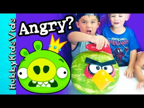 78bac63f80 Angry Bird Watermelon Makeover! Create Fun Food Using Pumpkin Pegs King Pig  HobbyKidsVids - YouTube