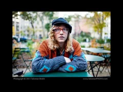Allen Stone-Unaware with lyrics