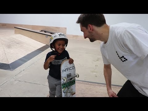 4 YEAR OLD SKATEBOARDER LEARNS A TRICK!