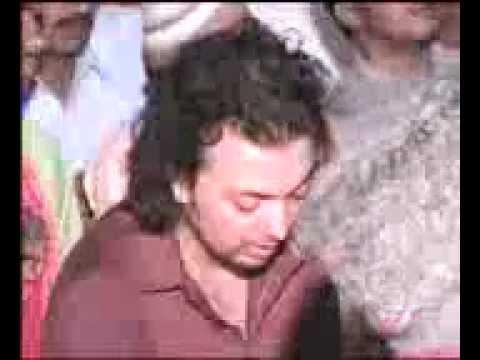 Syed Salman Mohsin Gillani crying on naat sharif part 1/2   Qadir Farid Bhatti 