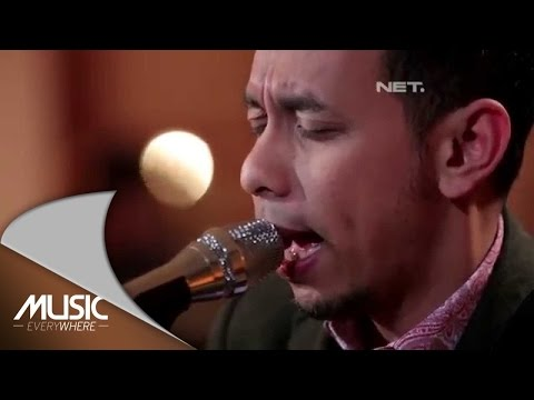 Pongki Barata - Maaf ( Jikustik  Cover) (Live at Music Everywhere) *