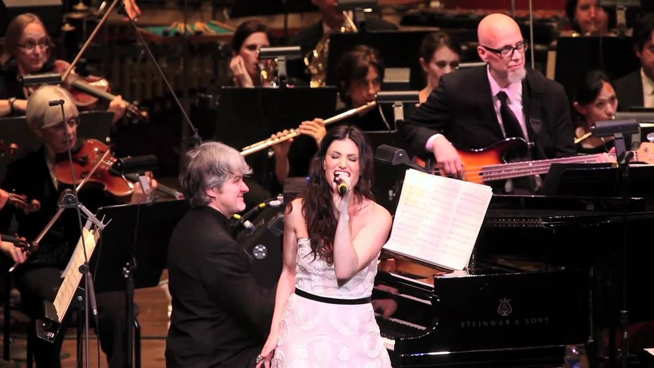 "Idina Menzel sings ""Pokerface"" with the New York Philharmonic"