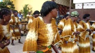 Dança tradicional Moxico Angola.MOV