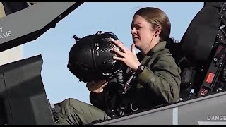 Badass Female F-35 Demo Pilot Leave Audience Breathless As Her Stunning Flying