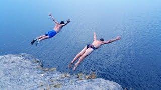 Уличная акробатика. Прыжки в воду, тренировки на пляже