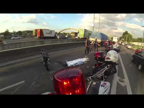 Carreta Esmaga Motoca ao vivo na Marginal! from YouTube · Duration:  2 minutes 41 seconds