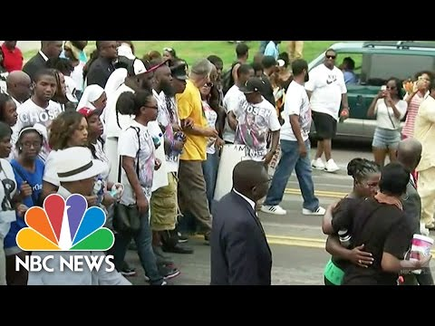 Peaceful Protests Turn Violent In Ferguson | NBC News