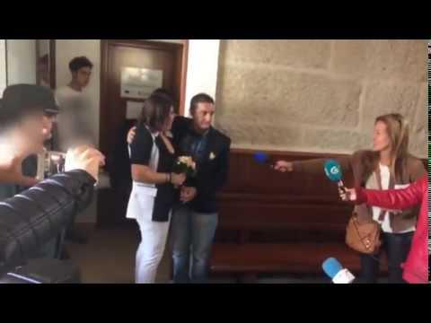 Los Bonnie and Clyde de Vigo, Jorge y Eusa, salen de A Lama para contraer matrimonio
