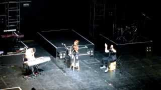 Lindsey Stirling @ Teatro Opera (Buenos Aires) 16/04/2015 [Part. 4] (Song of the Caged Bird)