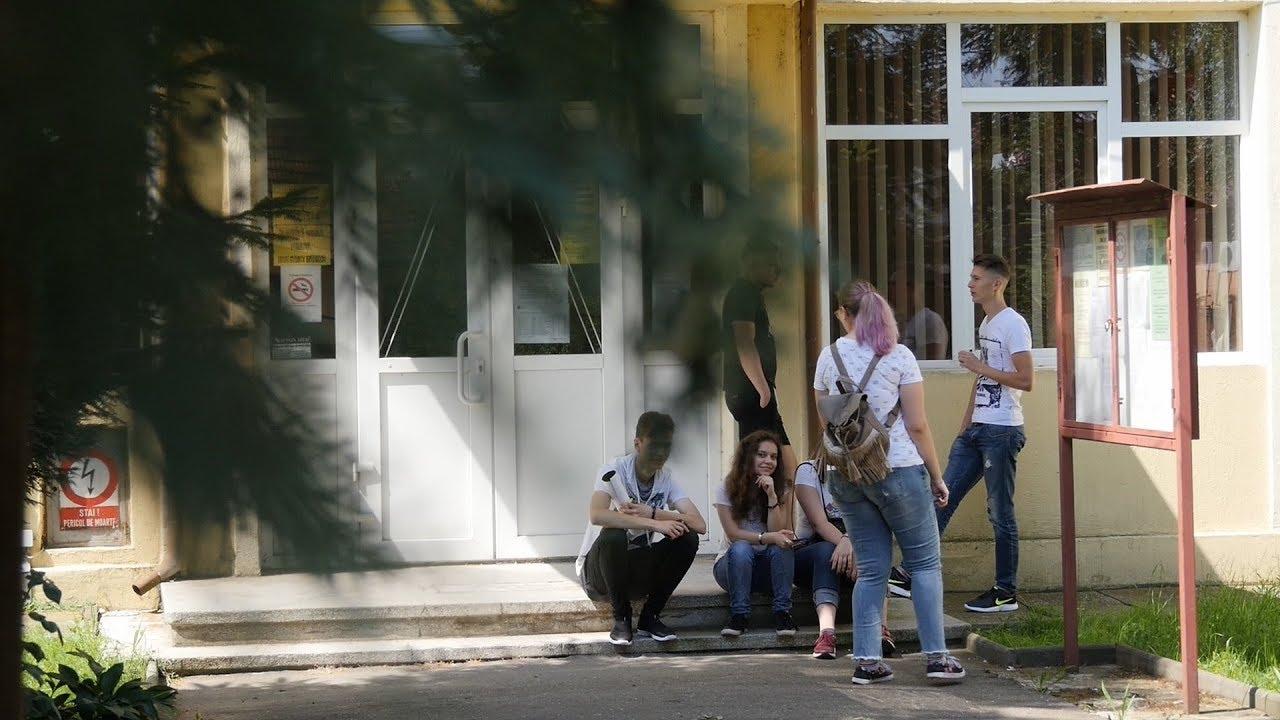 Monika Grezer si Maria Cristina Bacea despre rezultatele la BAC | novatv.ro - YouTube