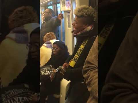 Tamara Weber-Fillion & Emmy Liyana (The Voice) dans le métro parisien