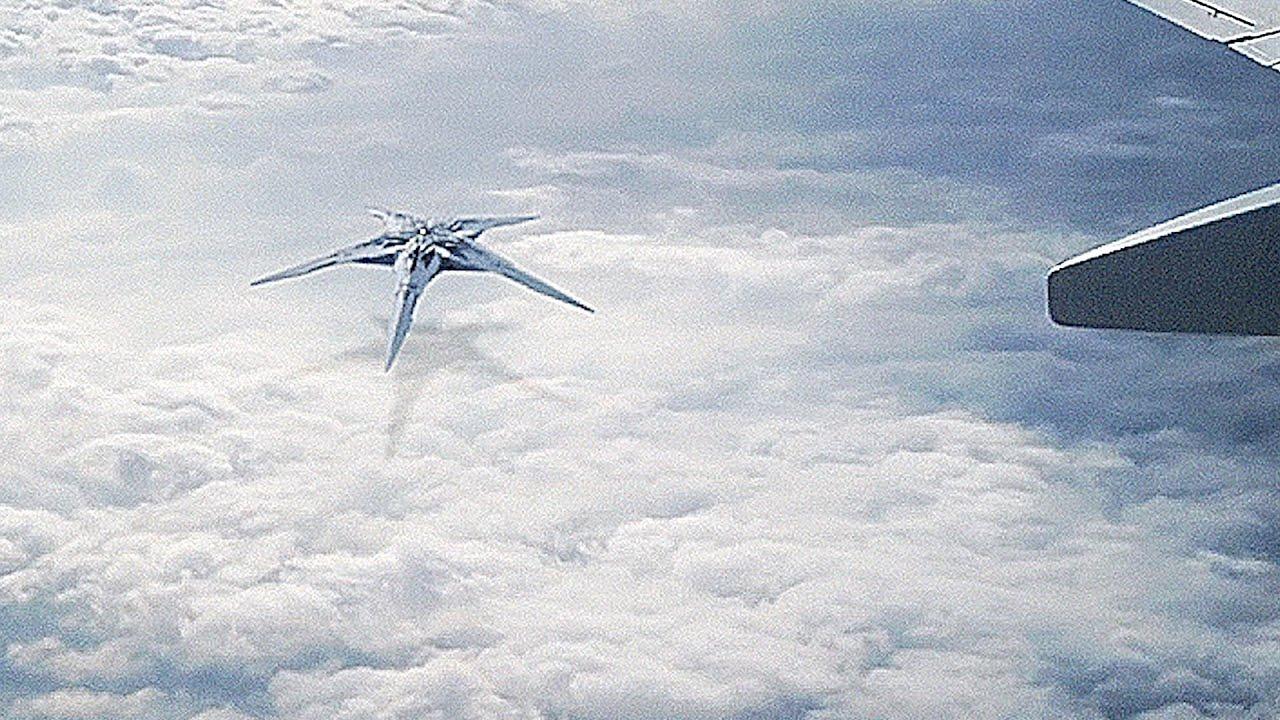 👽 Strange Star Shaped UFO Mothership Caught on Camera from Airplane Window (CGI)
