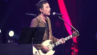 Jakob Dylan performs 'Baby, Please Don't Go'