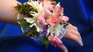 DYI: How to make a prom corsage thumbnail