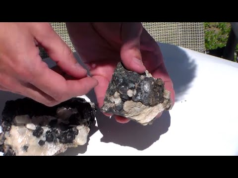 Removing Calcite from Mineral Specimens