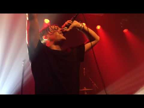 YUNGBLUD - Machine Gun - Live at the Melkweg