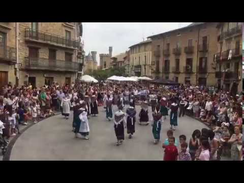 "Danzaris de Olite: ""Arin Latín"" (Korrontzi)"