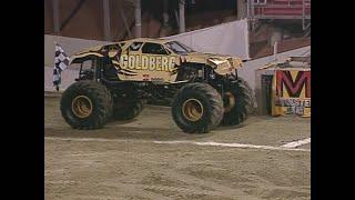 Goldberg vs Blue Thunder Monster Jam World Finals Racing Championship 2001