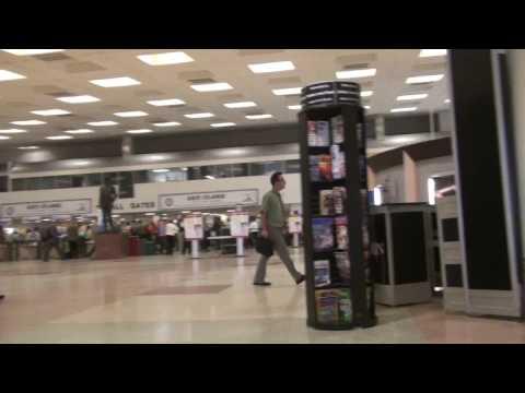 Dallas Love Field Terminal Area (2009, before the latest renovation)