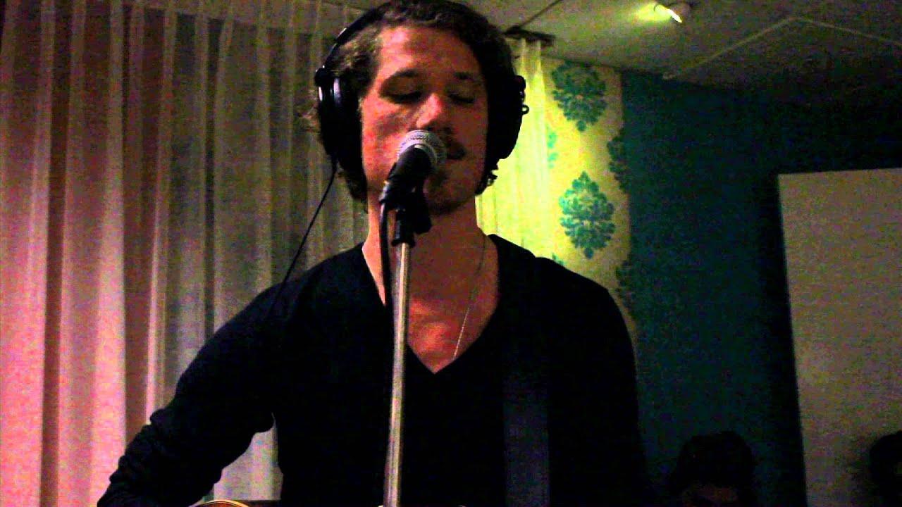 Robin Borneman - Blue Valentine (Tom Waits cover)