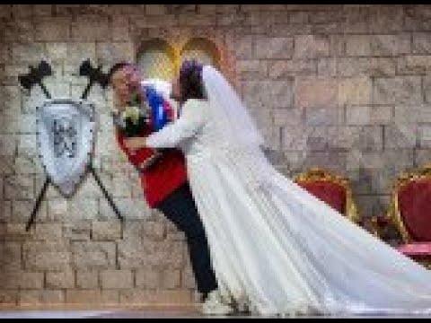 El Monaguillo y Miki Nadal se casan en su 'Gran boda ciega' - Me Resbala