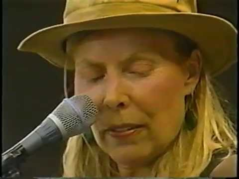 Joni Mitchell - A Day In The Garden