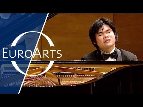Nobuyuki Tsujii: Tchaikovsky - Piano Concerto No. 1 in B Flat Minor, Op. 23 (St. Petersburg)