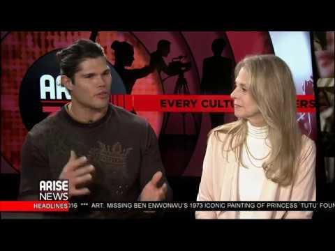 Keturah King speaks to Taylor James (Samson) & Lindsay Wagner (The Bionic Woman)